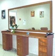 Двойное рабочее место парикмахера