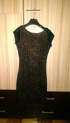Оригинальное платье с открытой спиной