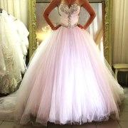 Свадебное платье и чулки в подарок