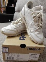 Продам кожаные кроссовки Reebok. Покупали в США. Р. 29 (18 см)