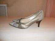 продам женские туфли
