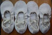 Продам балетки тканевые  для занятий танцами. В наличии 2 пары. Р. 32