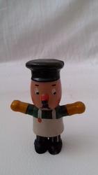 продам  винтажную  миниатюрную  фигурку
