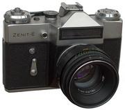«Зени́т-Е» — самый массовый советский однообъективный зеркальный фотоа